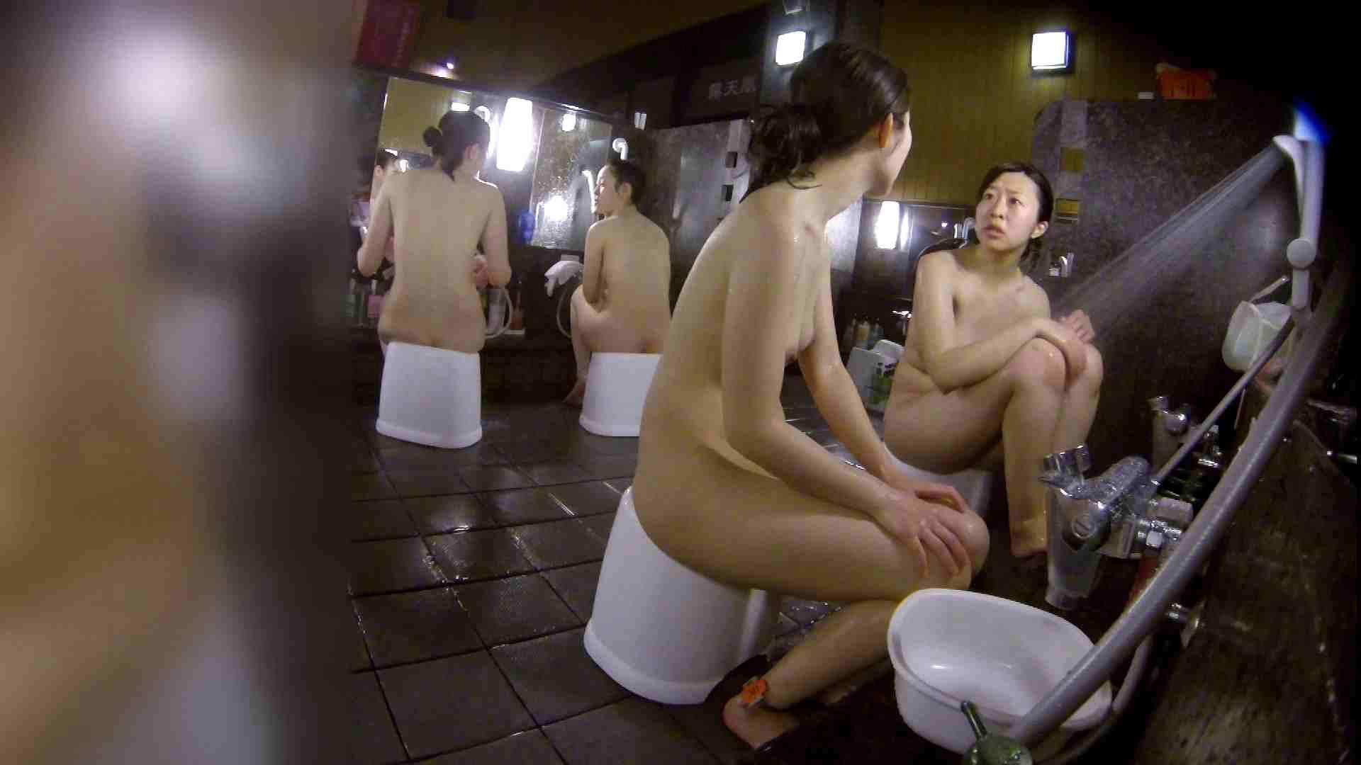 洗い場!地味目の女の子2人組。ずっと話しながら洗ってます。 女湯のぞき エロ無料画像 111枚 22