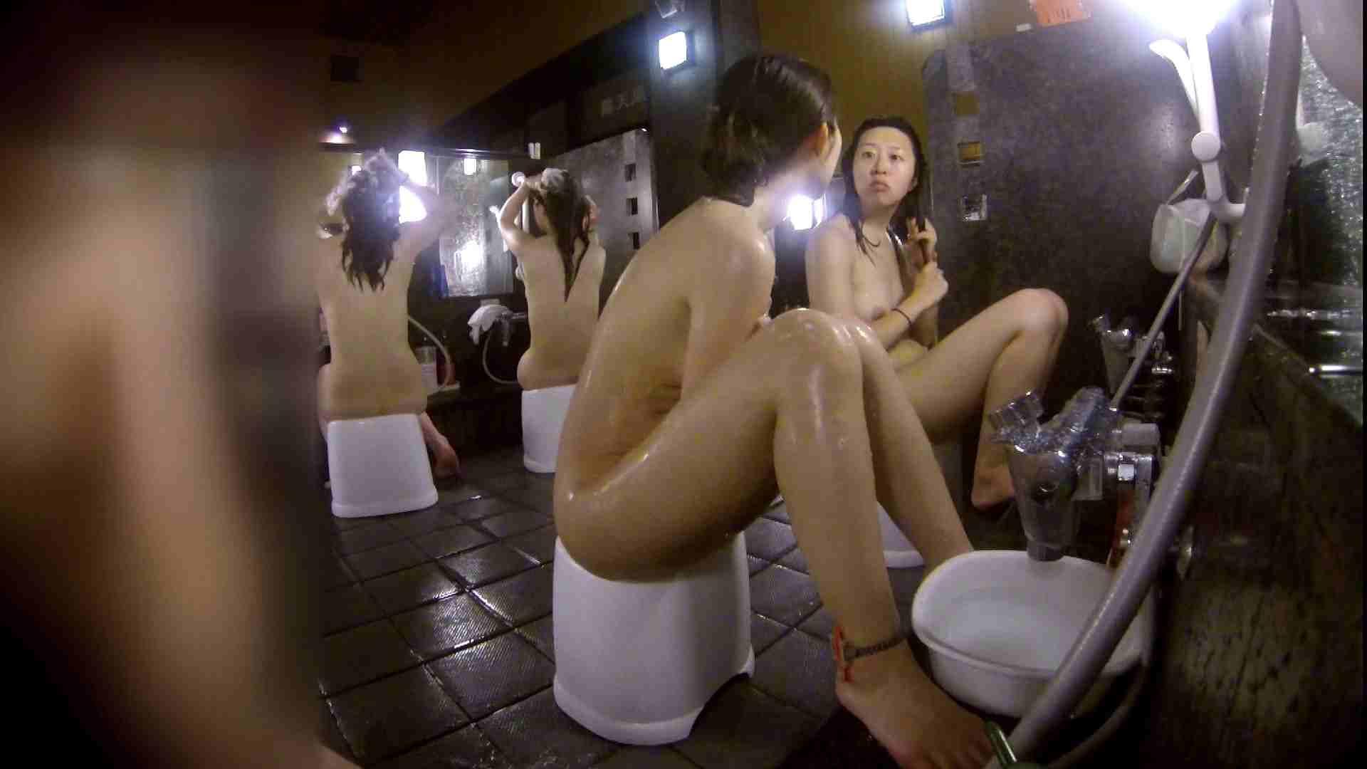 洗い場!地味目の女の子2人組。ずっと話しながら洗ってます。 美肌 ぱこり動画紹介 111枚 34