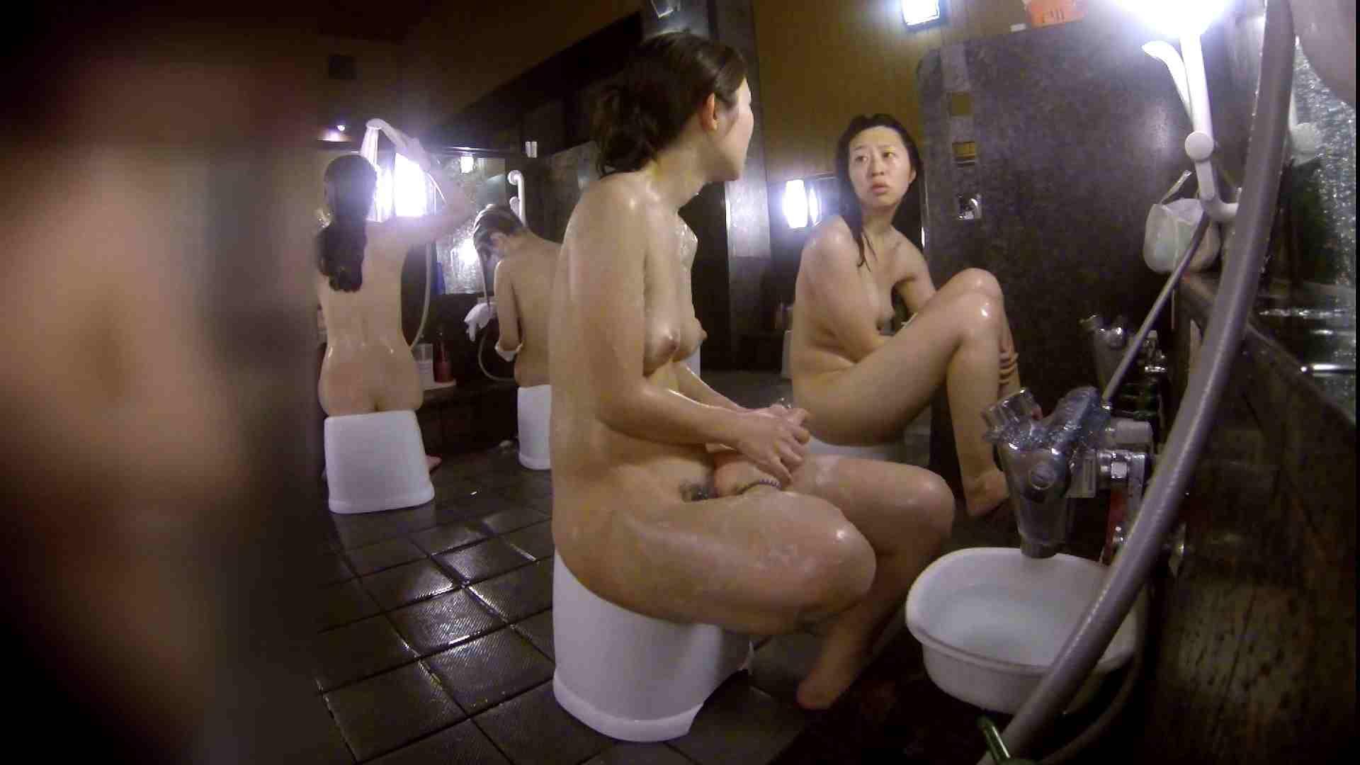 洗い場!地味目の女の子2人組。ずっと話しながら洗ってます。 友人・知人 | ギャル達  111枚 49