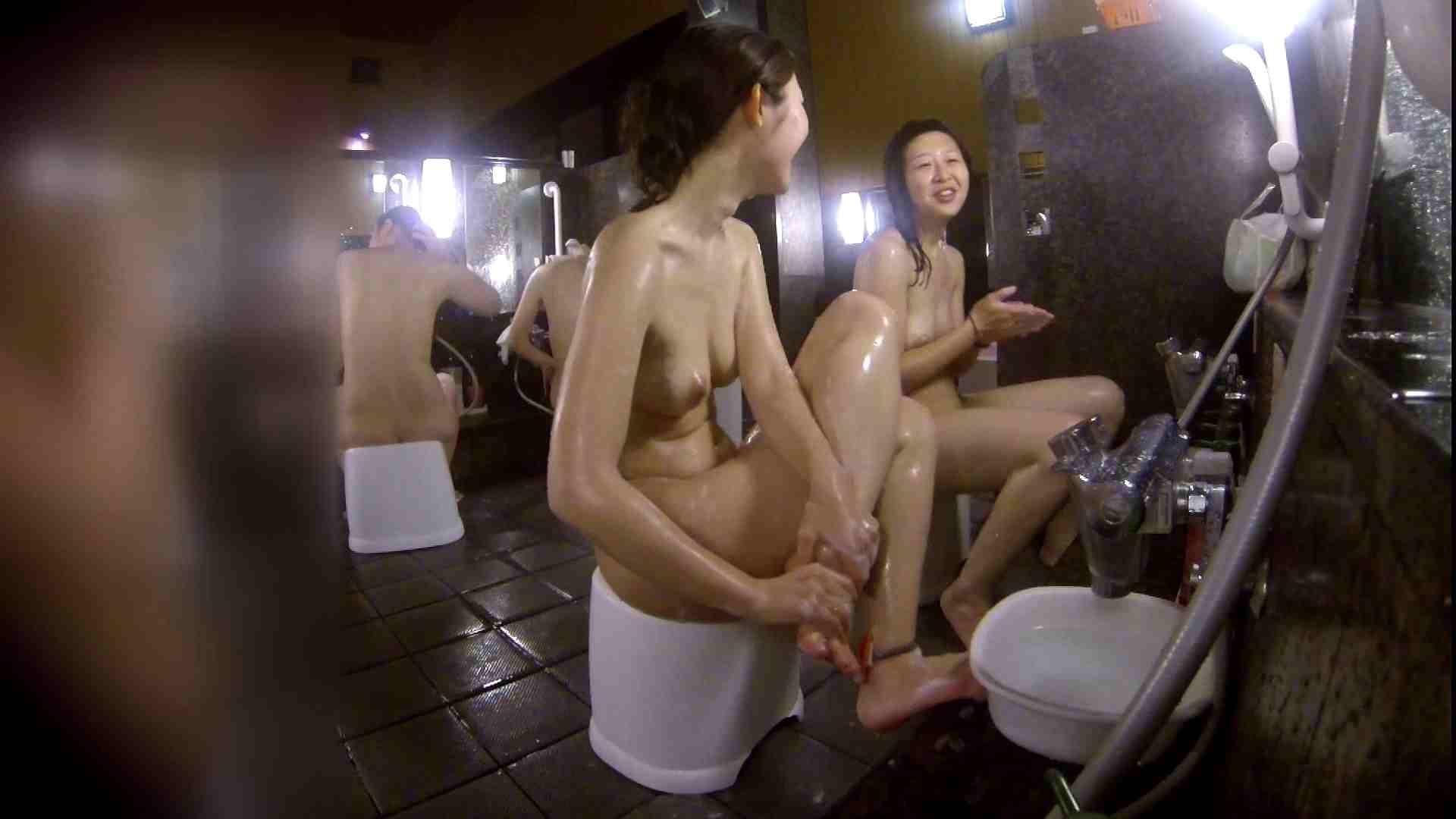 洗い場!地味目の女の子2人組。ずっと話しながら洗ってます。 友人・知人 | ギャル達  111枚 57