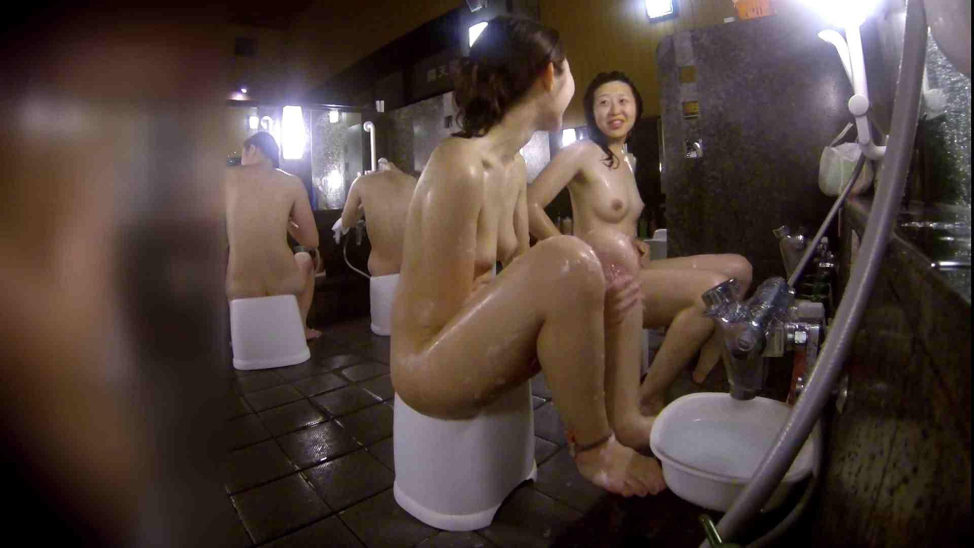洗い場!地味目の女の子2人組。ずっと話しながら洗ってます。 細身体型 アダルト動画キャプチャ 111枚 59