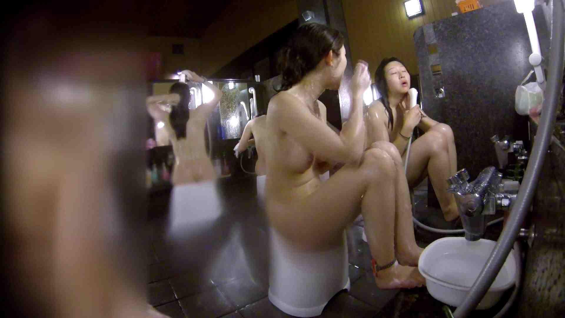 洗い場!地味目の女の子2人組。ずっと話しながら洗ってます。 銭湯事情 われめAV動画紹介 111枚 63