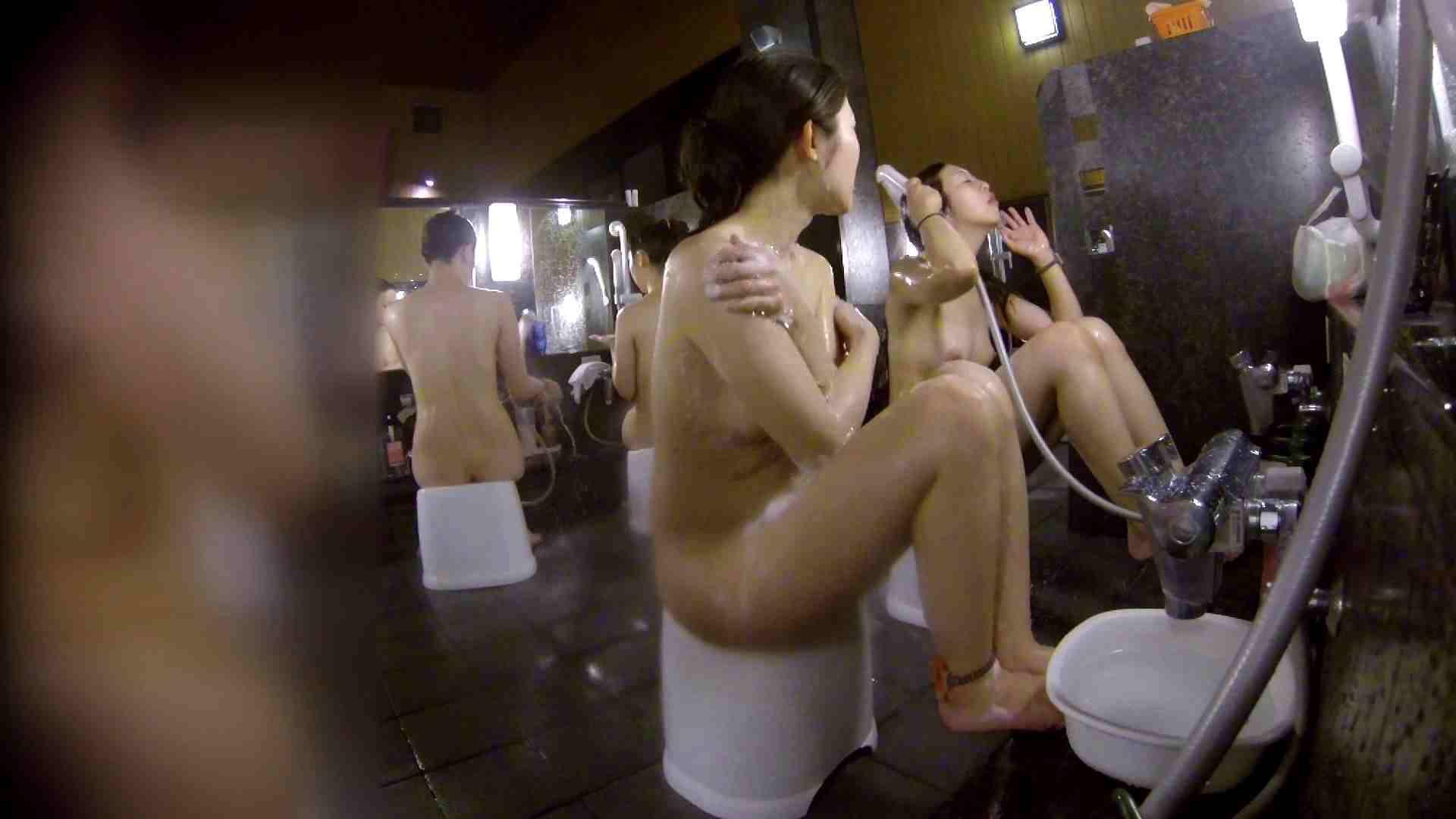 洗い場!地味目の女の子2人組。ずっと話しながら洗ってます。 美肌 ぱこり動画紹介 111枚 74