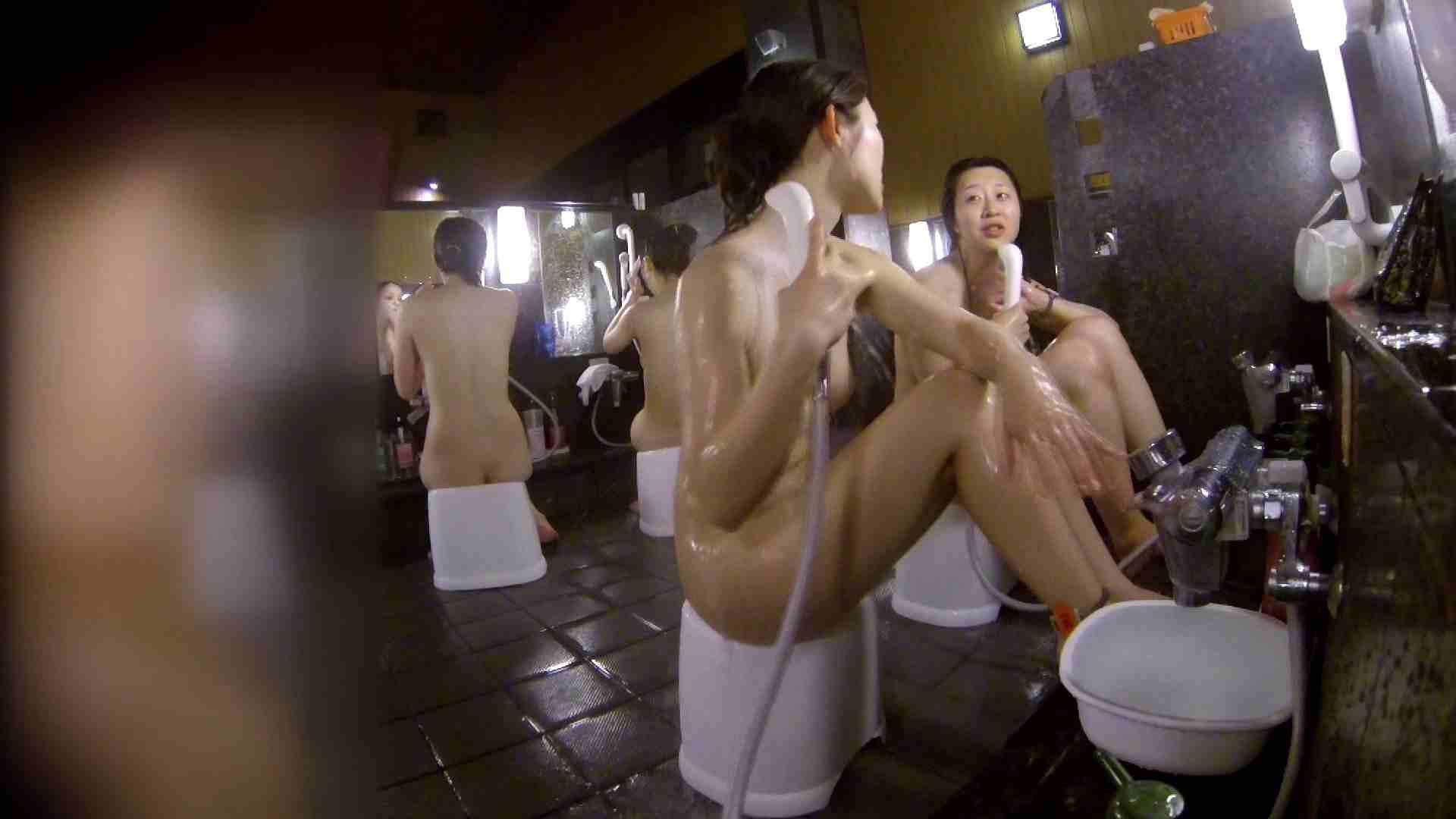 洗い場!地味目の女の子2人組。ずっと話しながら洗ってます。 美肌 ぱこり動画紹介 111枚 82