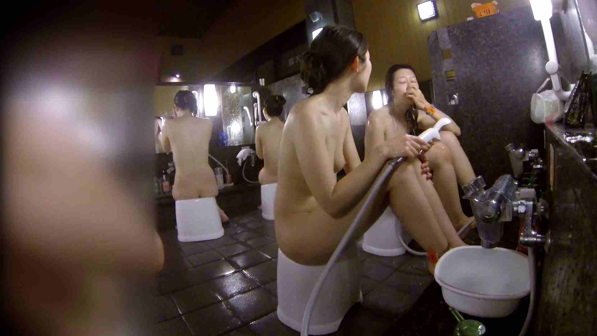 洗い場!地味目の女の子2人組。ずっと話しながら洗ってます。 女湯のぞき エロ無料画像 111枚 86