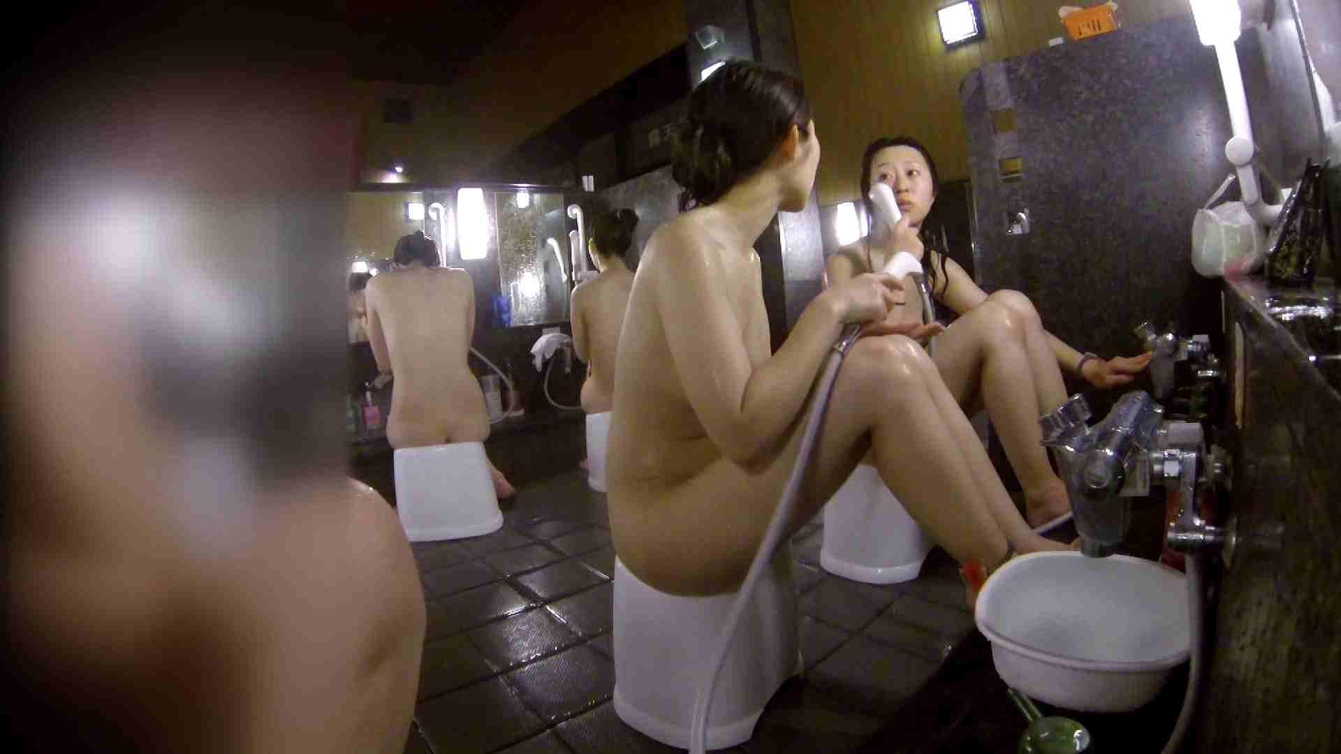 洗い場!地味目の女の子2人組。ずっと話しながら洗ってます。 美肌 ぱこり動画紹介 111枚 90