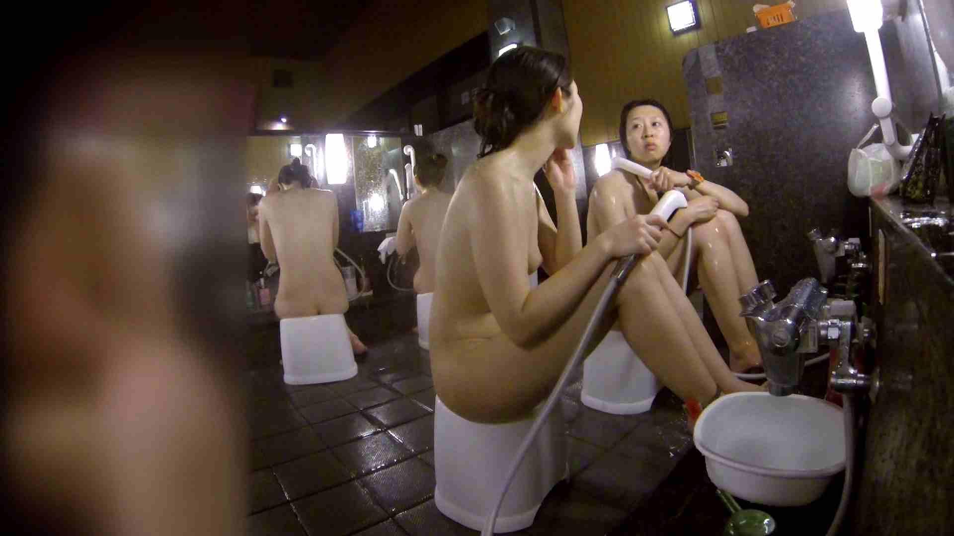 洗い場!地味目の女の子2人組。ずっと話しながら洗ってます。 潜入 ぱこり動画紹介 111枚 92