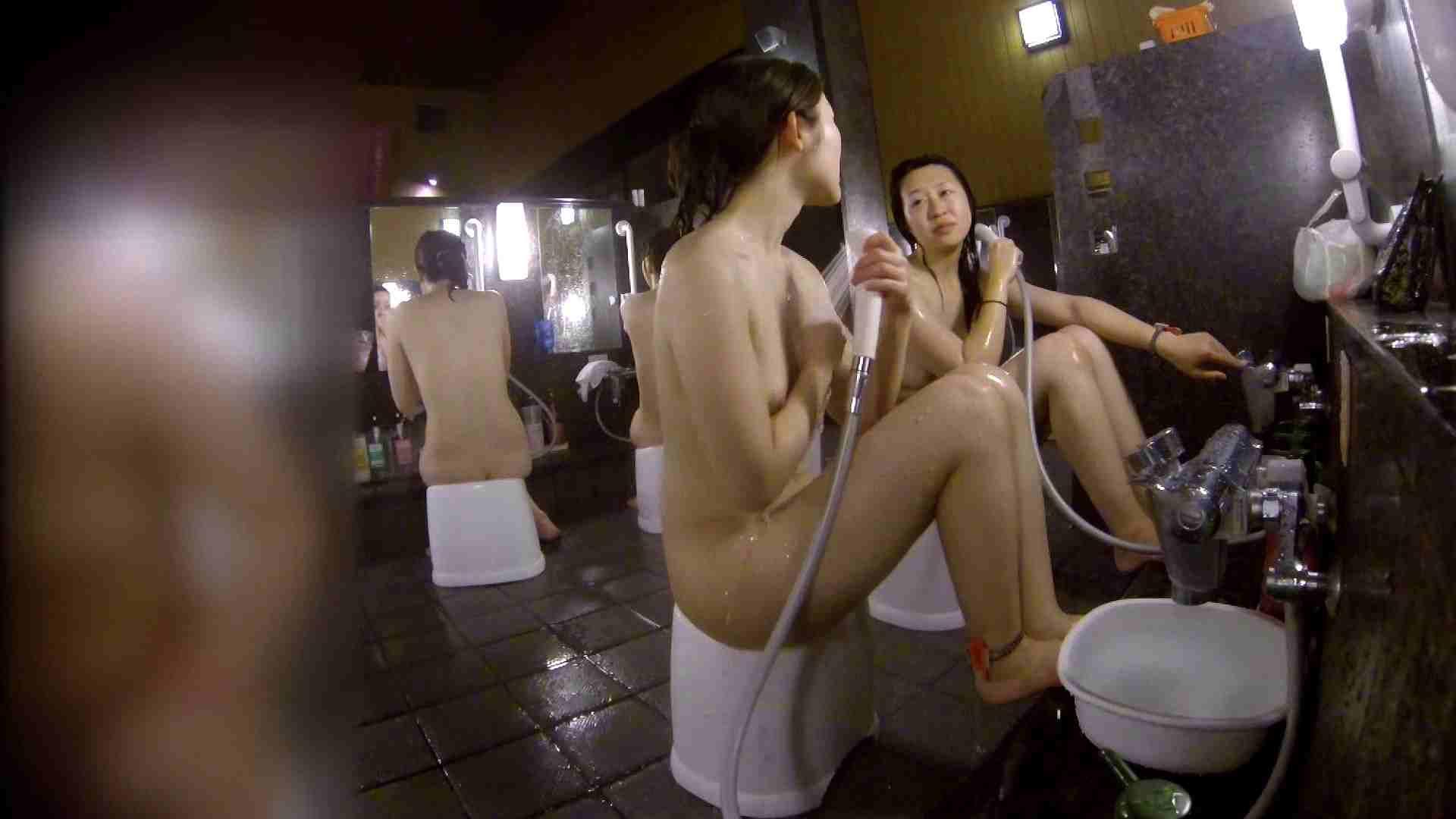 洗い場!地味目の女の子2人組。ずっと話しながら洗ってます。 友人・知人 | ギャル達  111枚 97