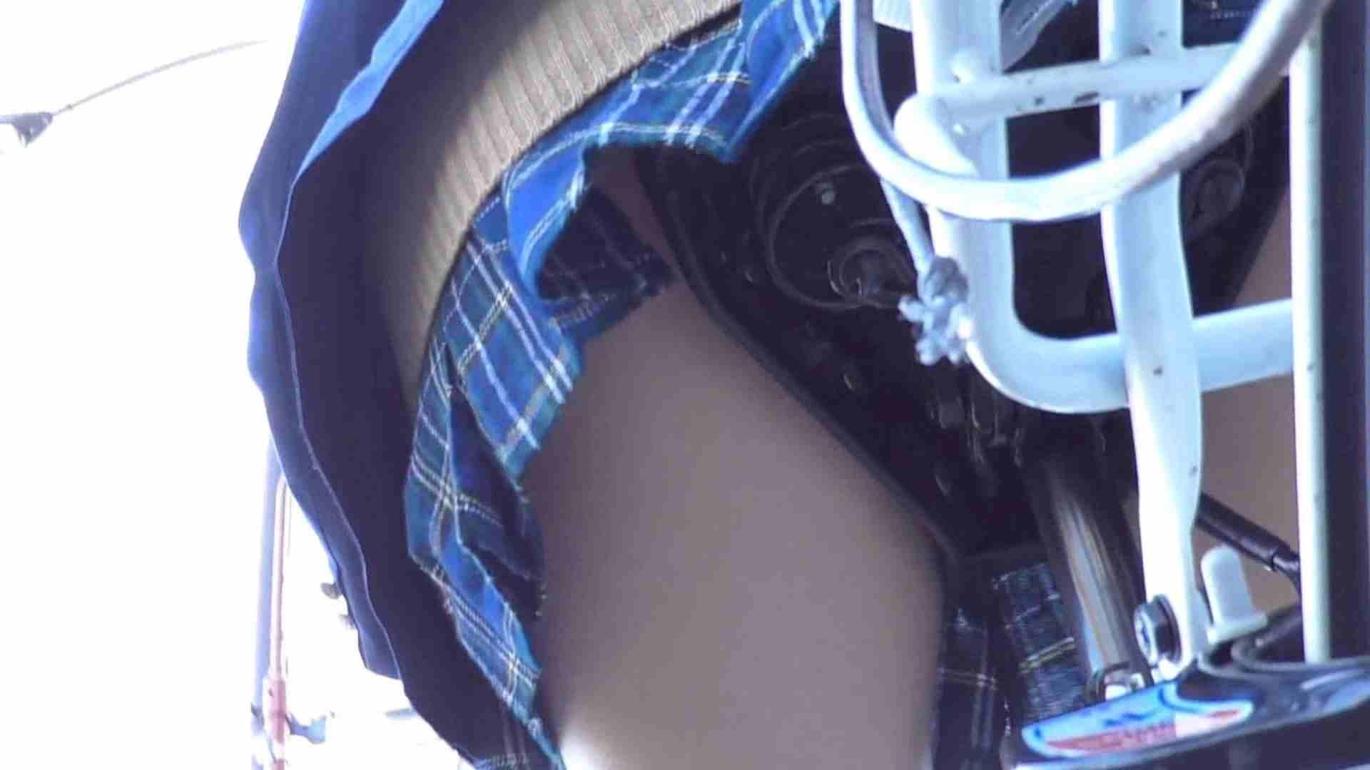 自転車パンチラ Vol.03 車で・・・ オメコ無修正動画無料 77枚 6