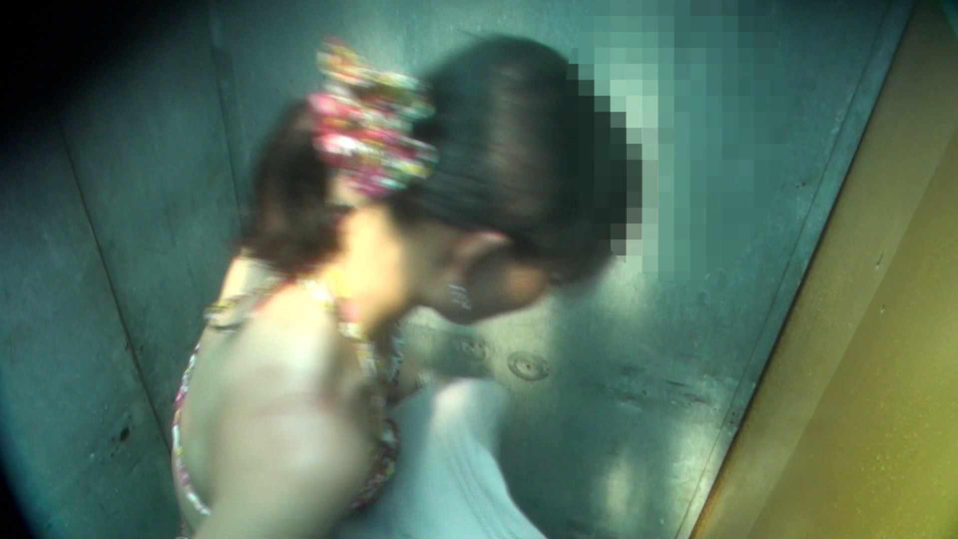 Vol.16 意外に乳首は年増のそれ シャワー室   盗撮編  105枚 99