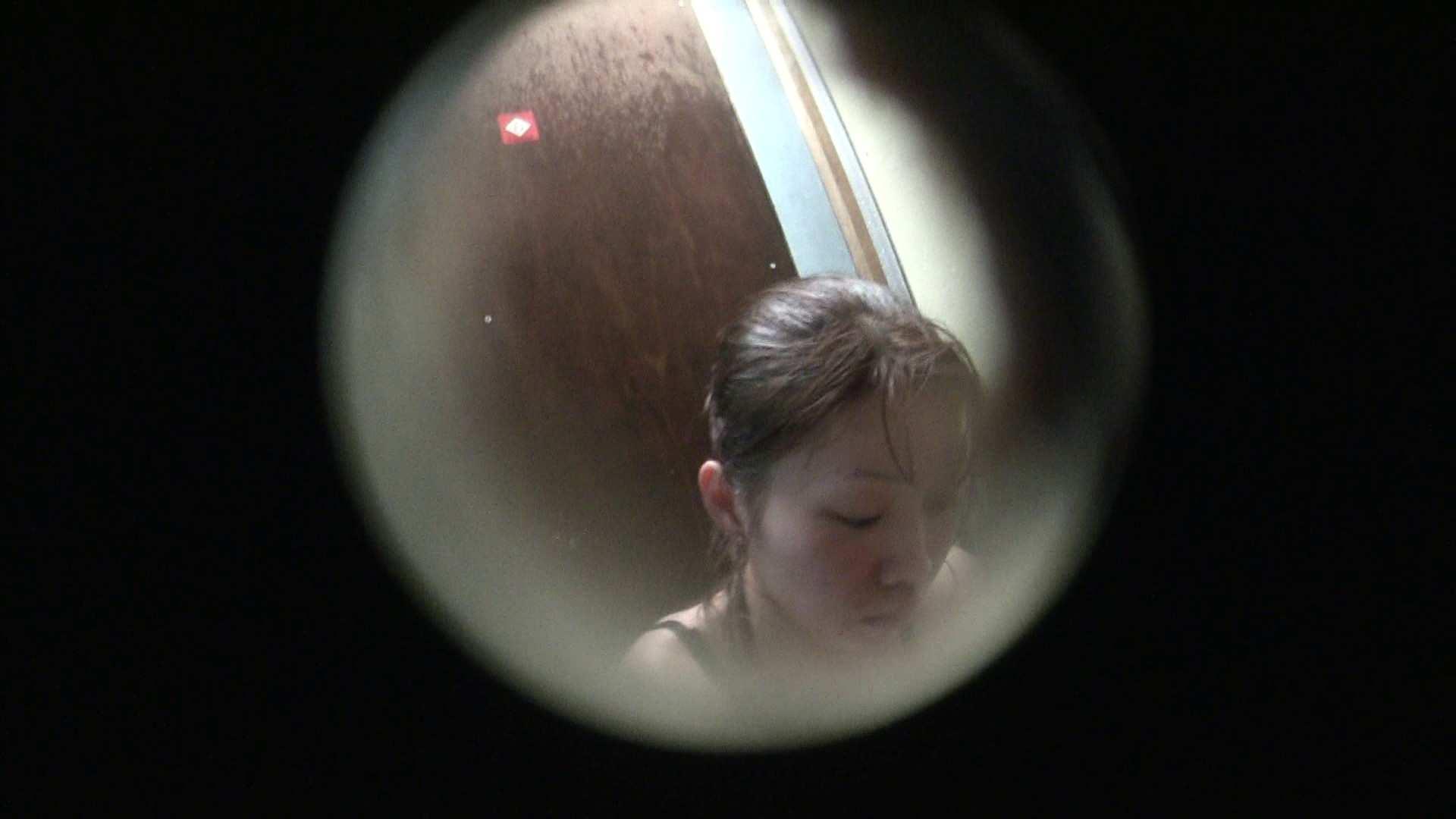NO.01 胃下垂気味のへそピアスギャル 美乳 すけべAV動画紹介 78枚 75