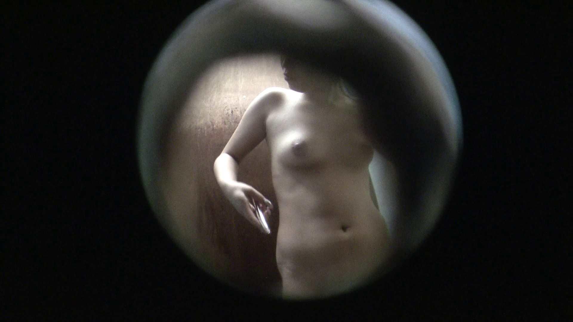 NO.03 ムッチリ色白ボディーに少し大きな乳輪 美乳 おまんこ動画流出 90枚 73