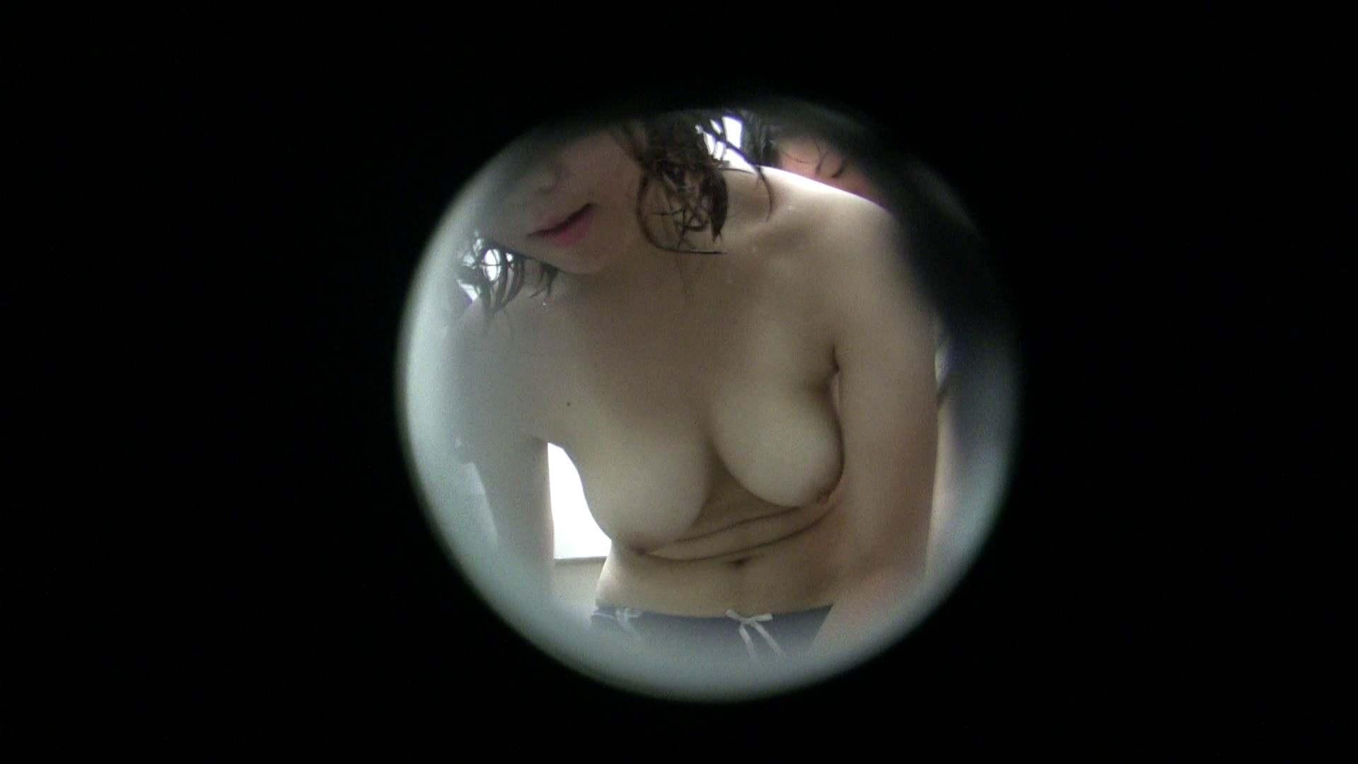 NO.23 色白巨乳嬢×2 シャワー ぱこり動画紹介 98枚 82