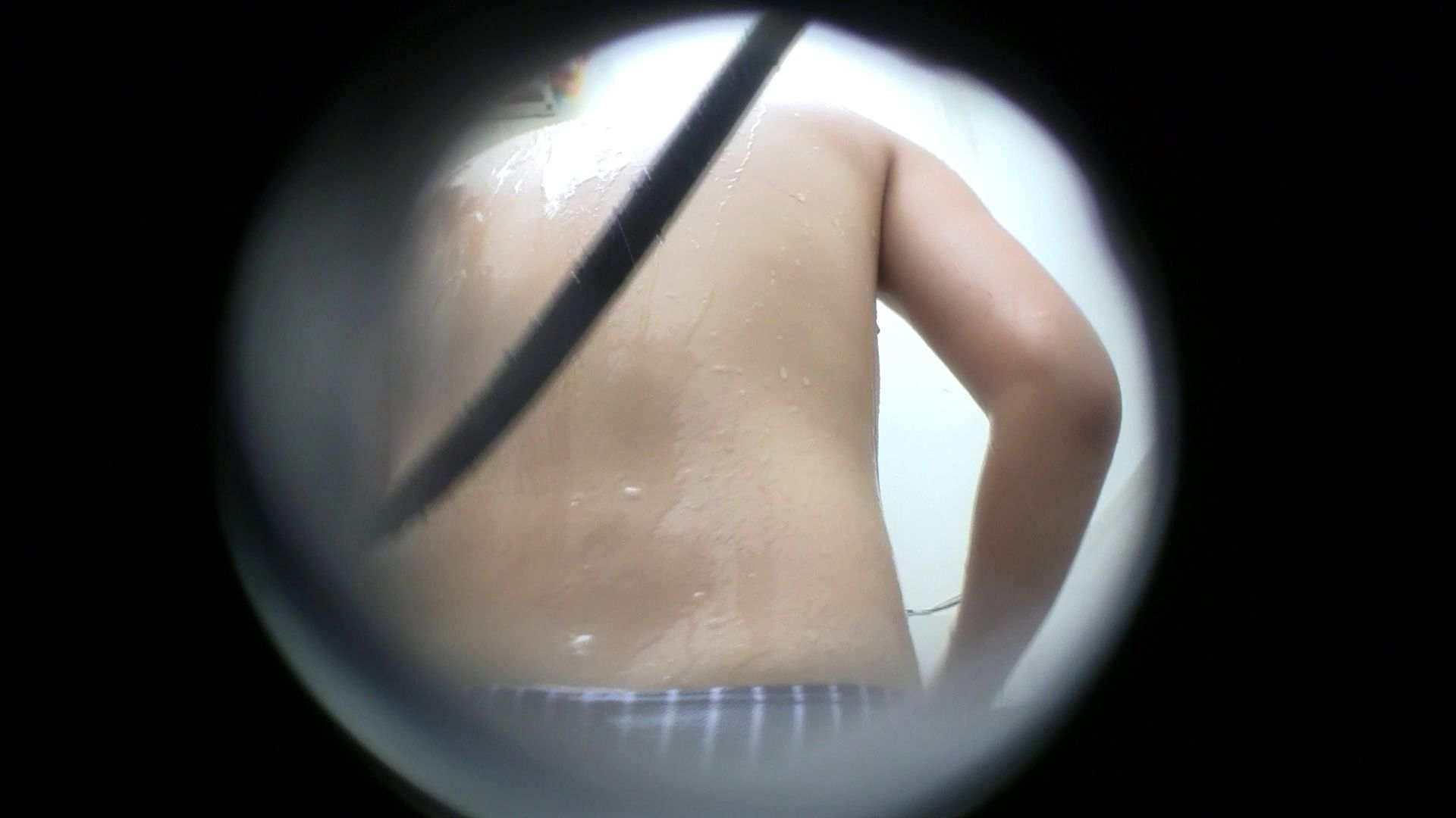 NO.43 乳首の先がチラ 背中でイメージして下さい シャワー  83枚 49
