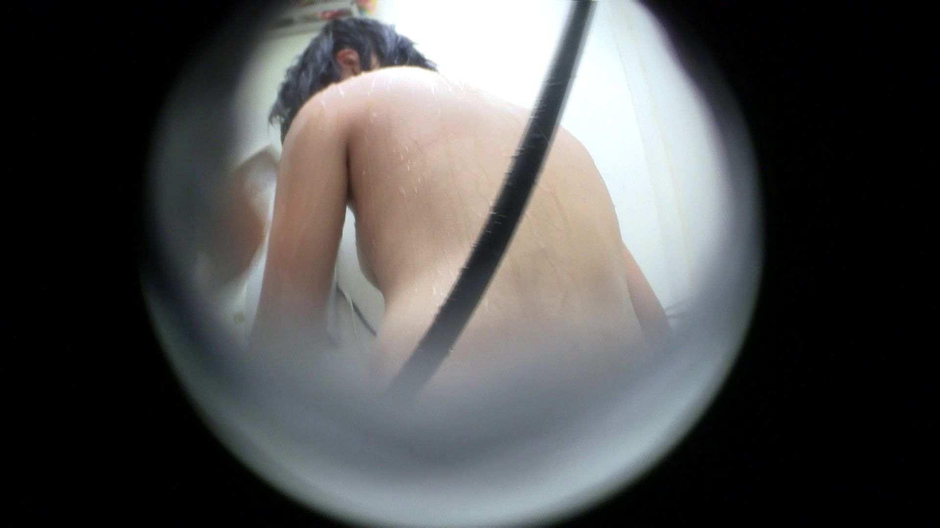 NO.43 乳首の先がチラ 背中でイメージして下さい シャワー | シャワー室  83枚 50