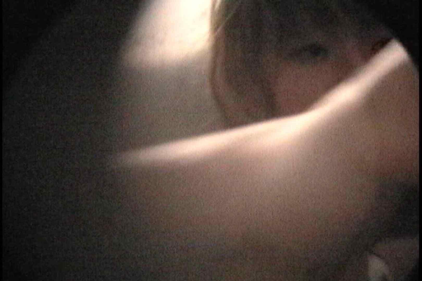 No.111  カメラに向けられる鋭い視線が! シャワー 濡れ場動画紹介 101枚 27