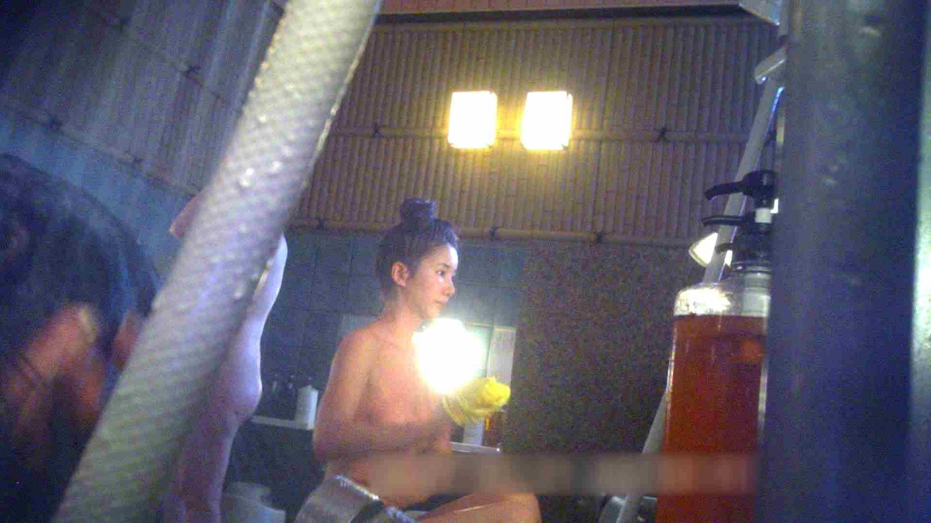 TG.15 【上等兵】高級旅館の爆乳女将で有名っぽい 潜入 おまんこ動画流出 110枚 86