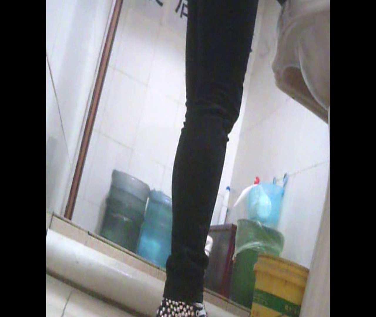 Vol.05 ズボンをはく時の左足! 丸見え | 洗面所のぞき  111枚 13