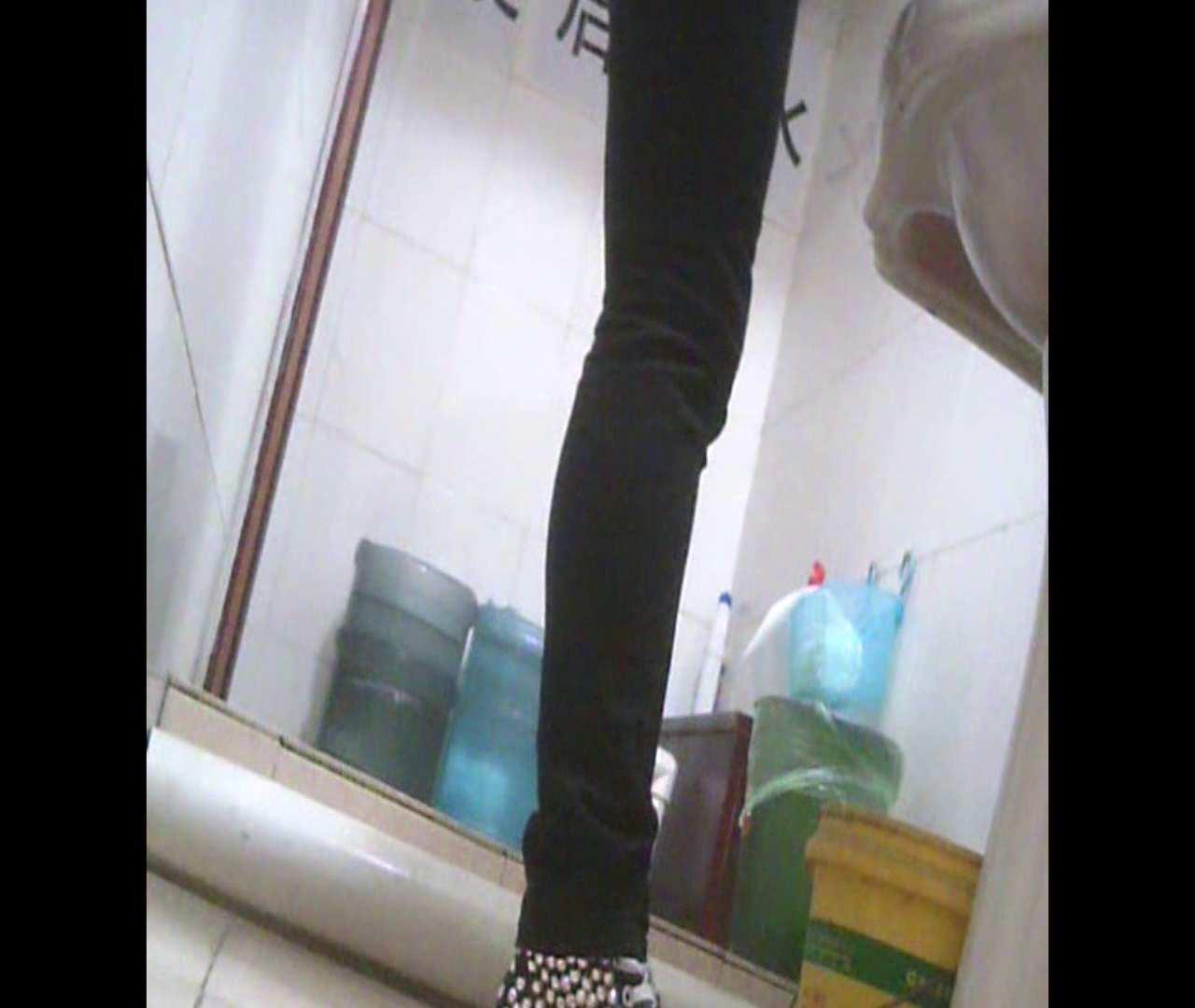 Vol.05 ズボンをはく時の左足! 丸見え | 洗面所のぞき  111枚 17
