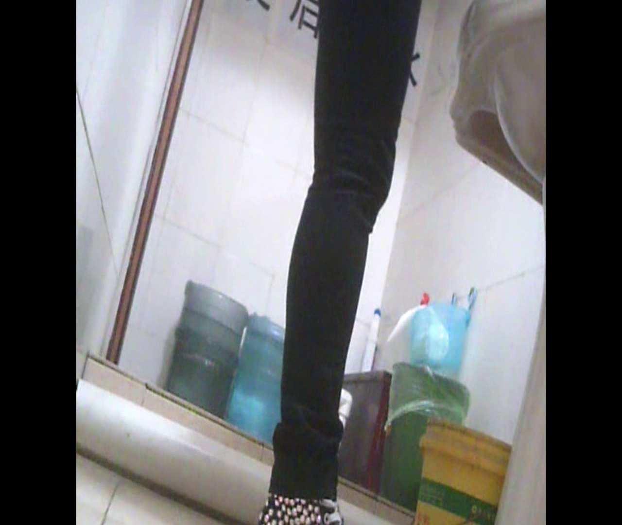 Vol.05 ズボンをはく時の左足! 丸見え | 洗面所のぞき  111枚 21