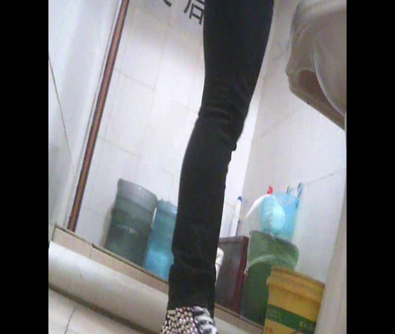Vol.05 ズボンをはく時の左足! 丸見え | 洗面所のぞき  111枚 23