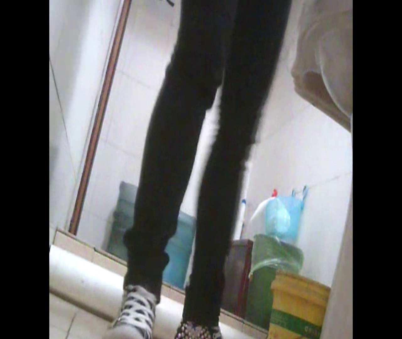 Vol.05 ズボンをはく時の左足! 丸見え | 洗面所のぞき  111枚 25