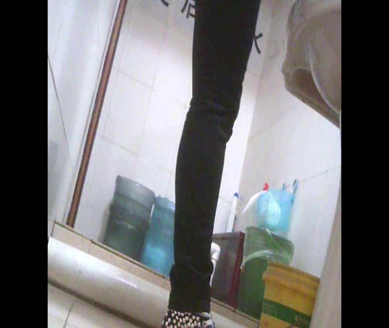Vol.05 ズボンをはく時の左足! 丸見え | 洗面所のぞき  111枚 97