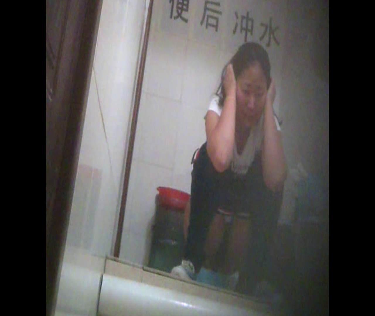Vol.06 そんな顔しないで・・・。 洗面所のぞき オメコ無修正動画無料 102枚 35