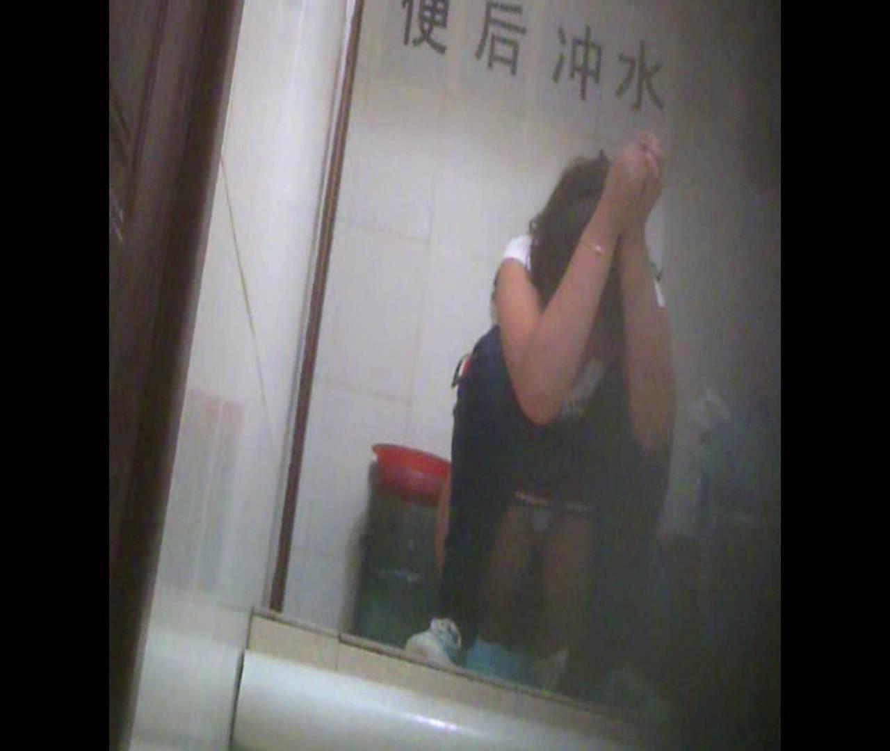 Vol.06 そんな顔しないで・・・。 洗面所のぞき オメコ無修正動画無料 102枚 38