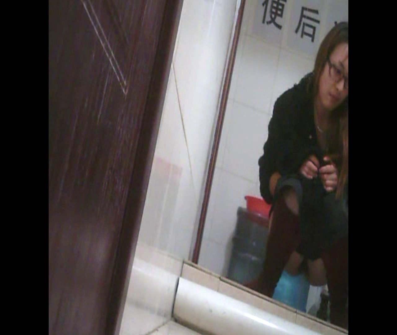 トイレ盗撮|Vol.31見た目もワイルド系美女!、もちろん終わった後も・・・。|怪盗ジョーカー