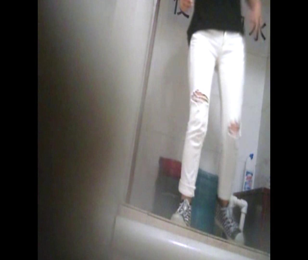 Vol.47 二度目の登場!絶対白いズボンの時は・・・ 丸見え  80枚 21