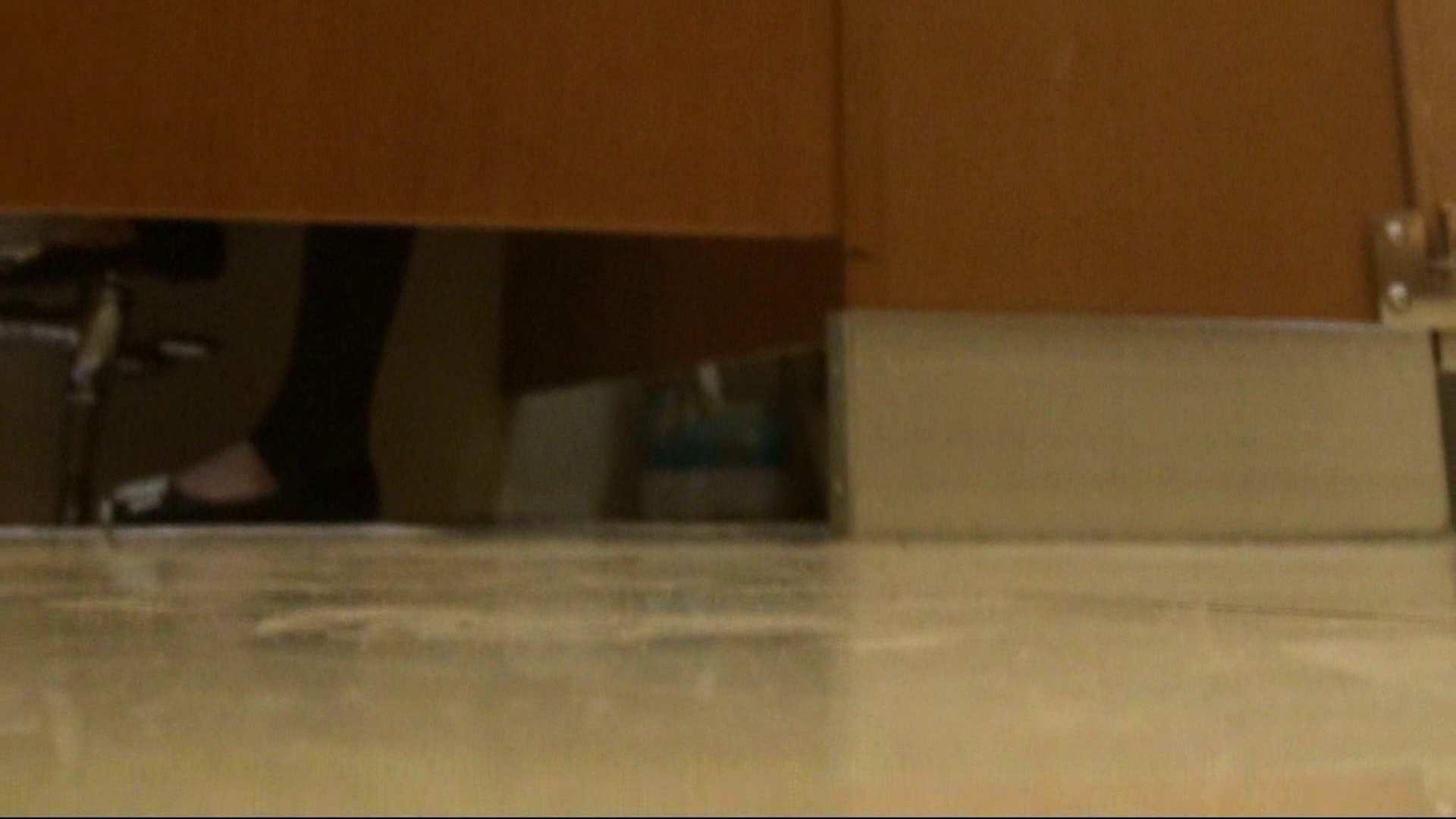 隣国化粧室下から御免!! No.03 お姉さんのSEX   洗面所のぞき  78枚 31