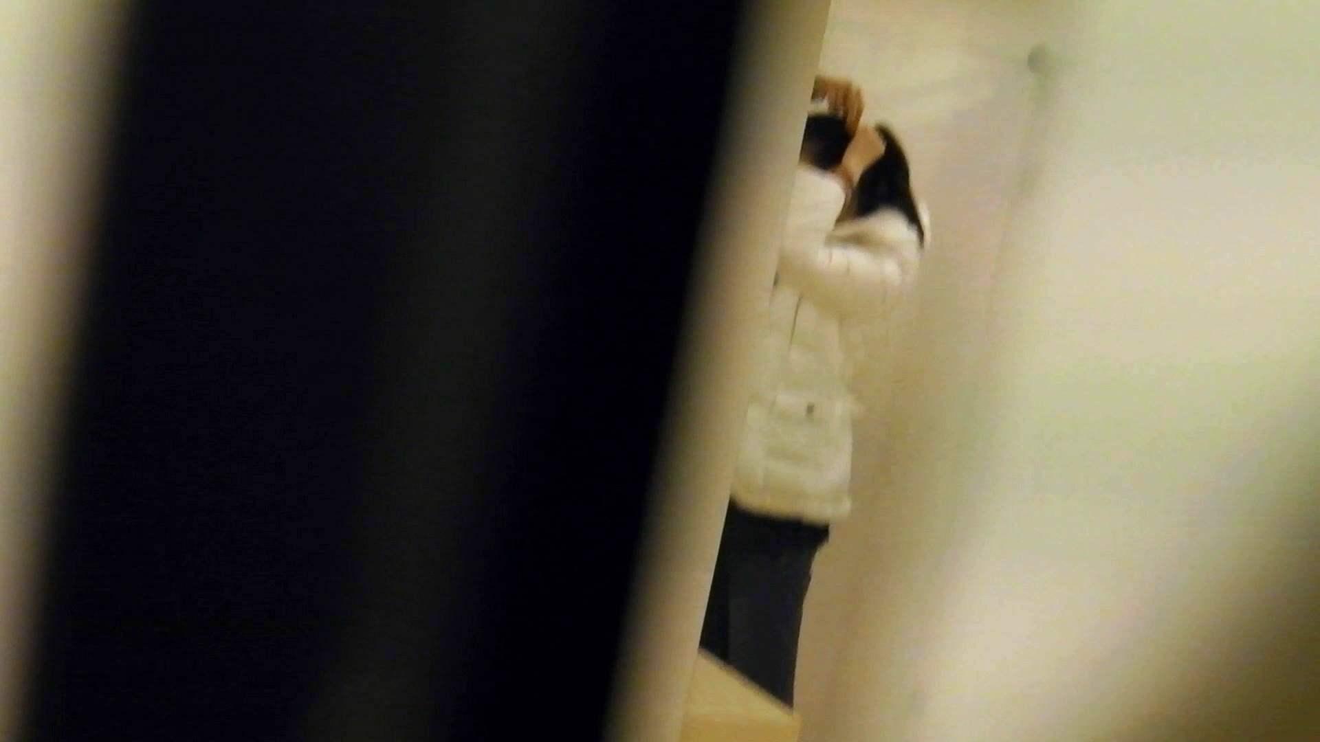 世界の射窓から vol.1 洗面所のぞき オマンコ動画キャプチャ 89枚 17