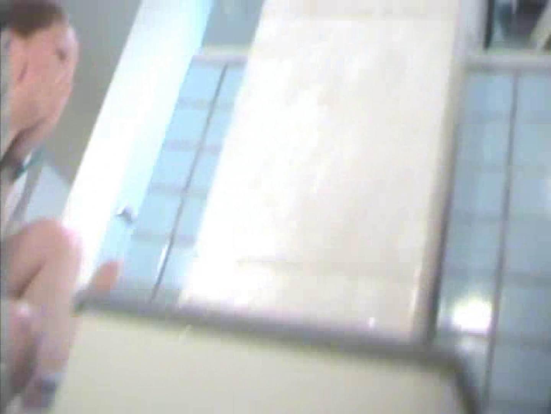 トイレ盗撮|浴場潜入脱衣の瞬間!第四弾 vol.1|のぞき本舗 中村屋
