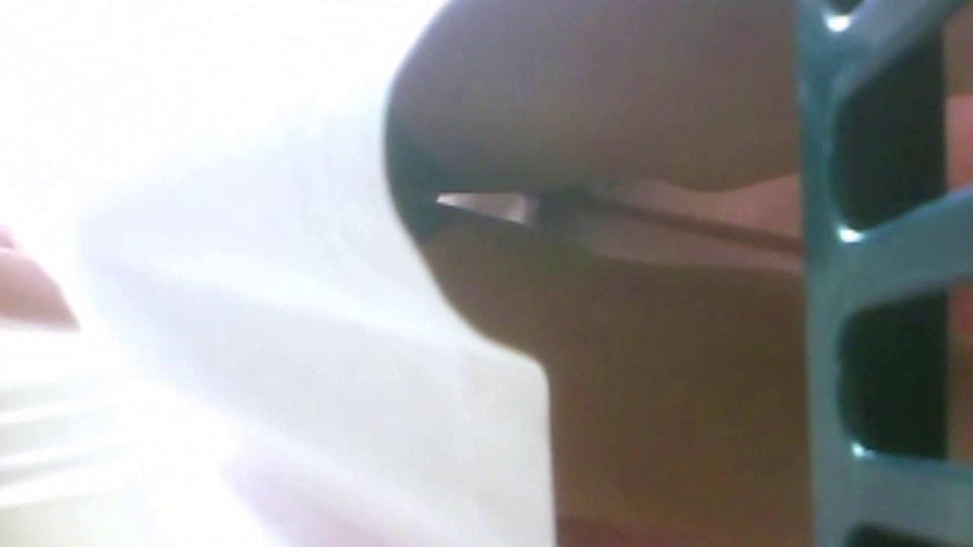 トイレ盗撮 真剣に買い物中のgal達を上から下から狙います。vol.08 大奥